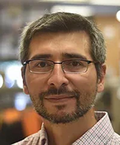 photo of Arturo Orellana
